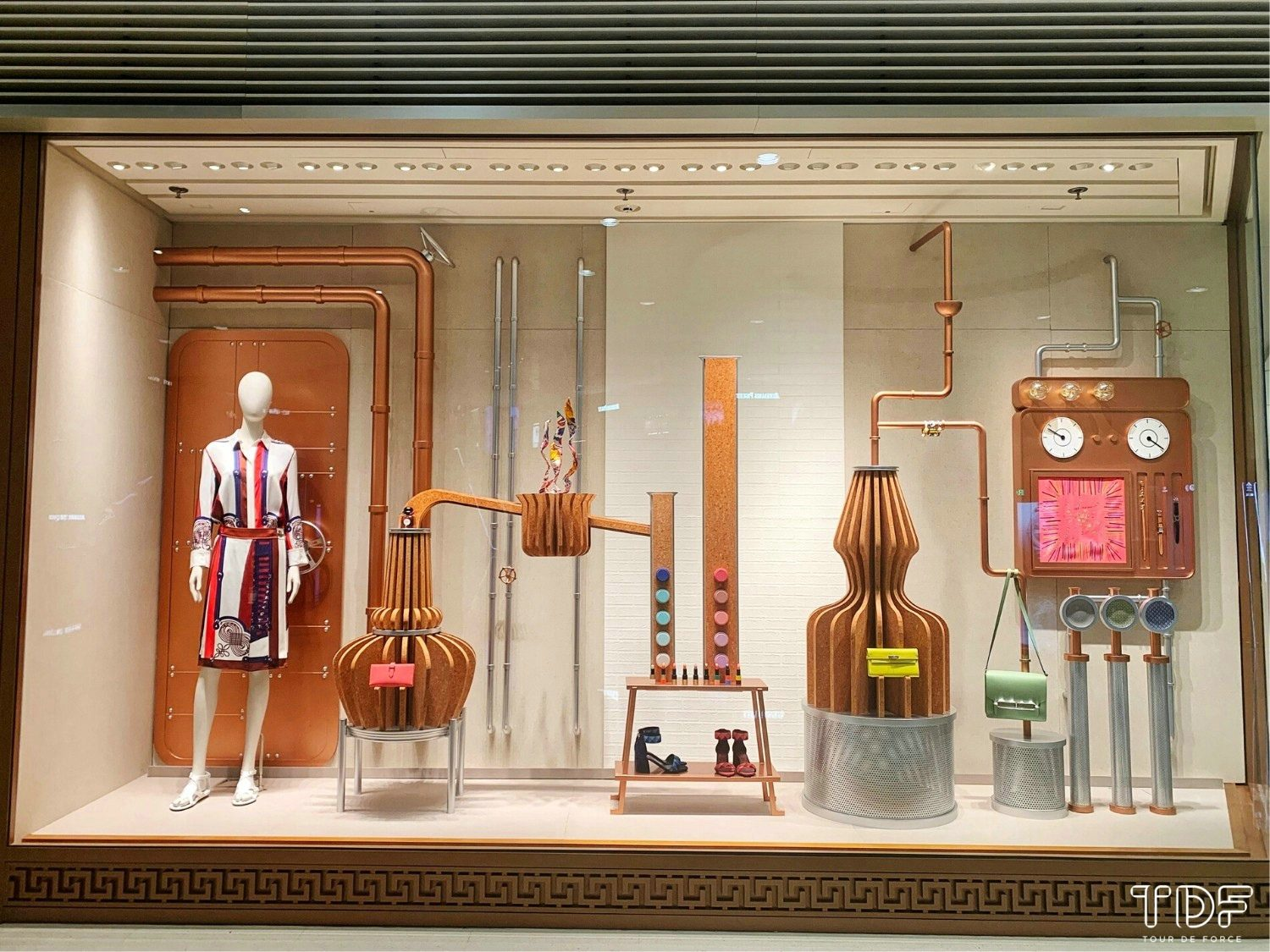 TDF_Visual Merchandising Storytelling Manufacturing Specialist_Hermes Window