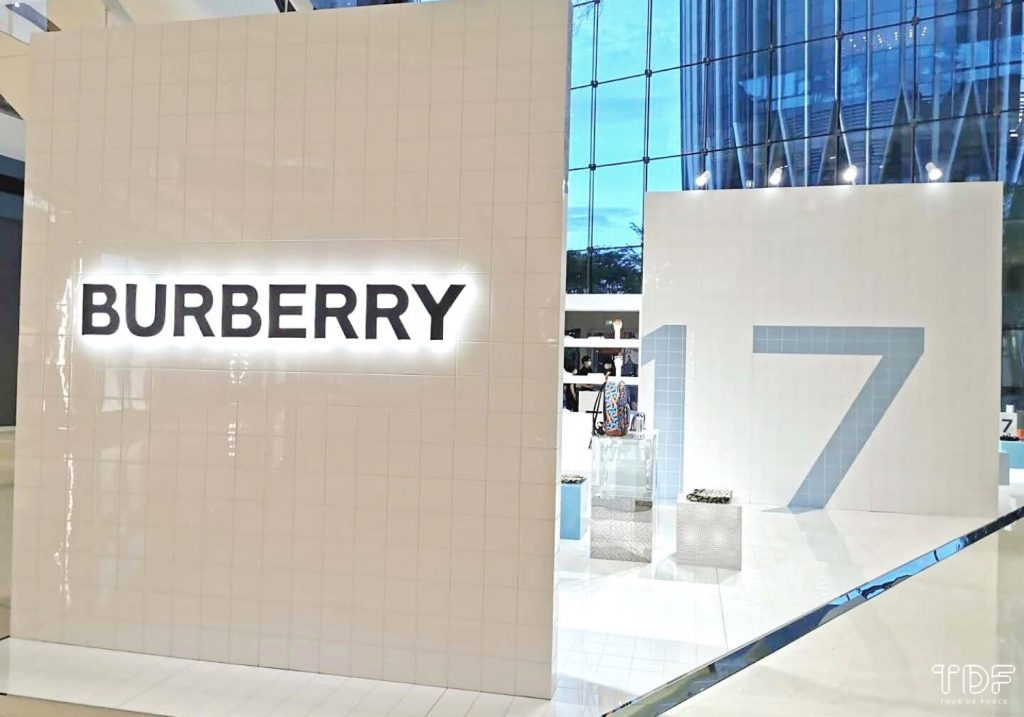 In-store customer behavior_Personalized customer journey_Burberry Shenzhen Social Store_The Next Big Thing in the Luxury Industry