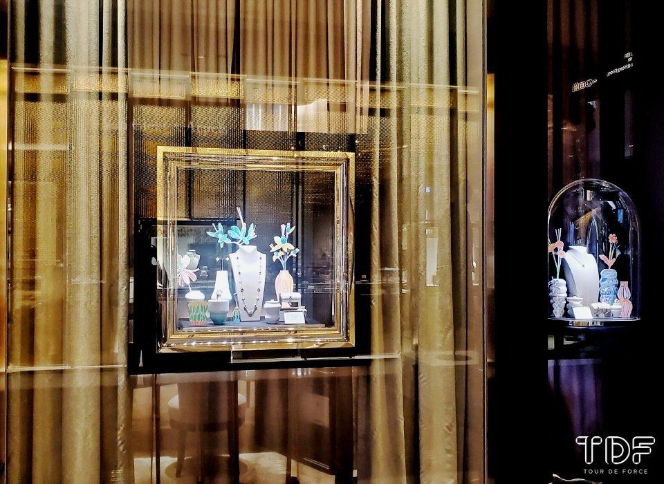 Van Cleef & Arpels_Alhambra collection_Luxury Jewelry Store Window Displays_TDF Visual Merchandising Storytelling Manufacturer