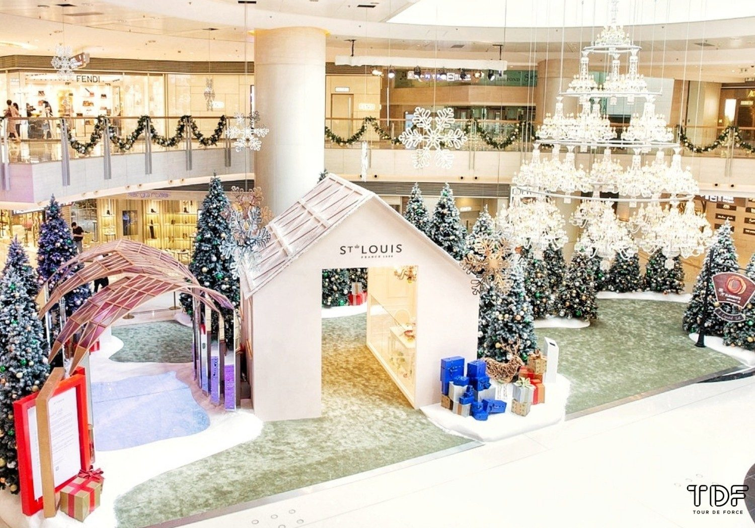 Christmas Pop Up Store_TDF_Visual Merchandising Storytelling Manufacturing Specialist