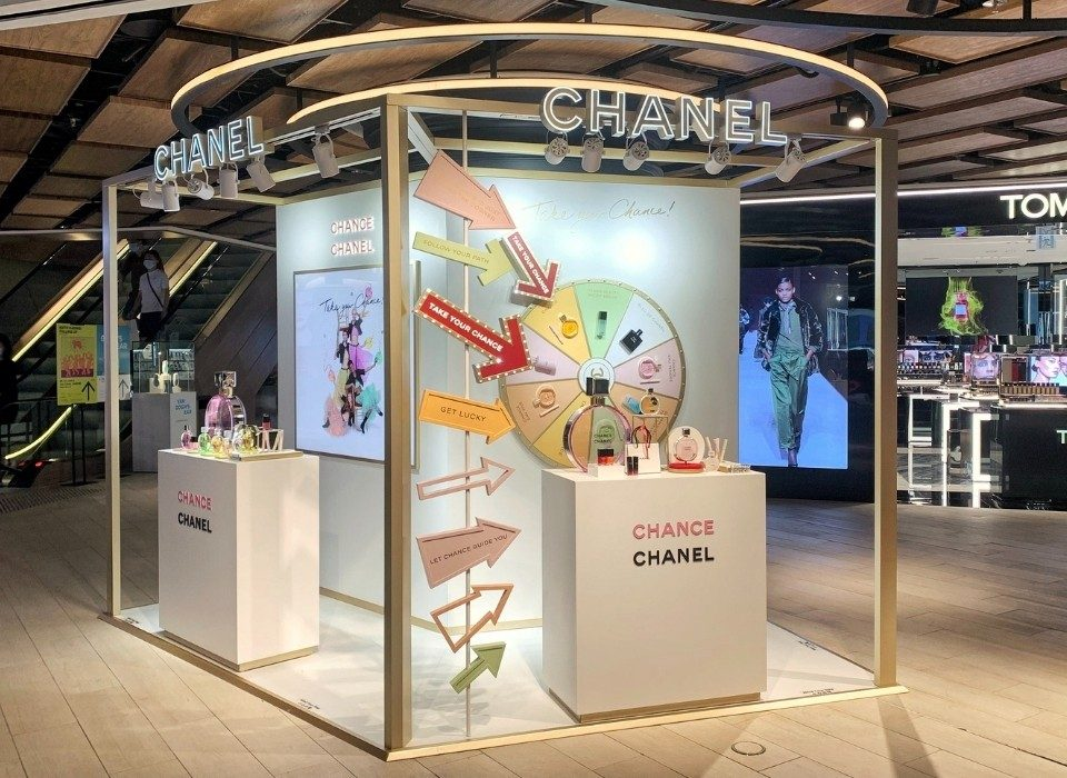 branded pop-up stores_Luxury Retail 2020: The Mega-Trend This Year May Shape the Future Luxury Industry