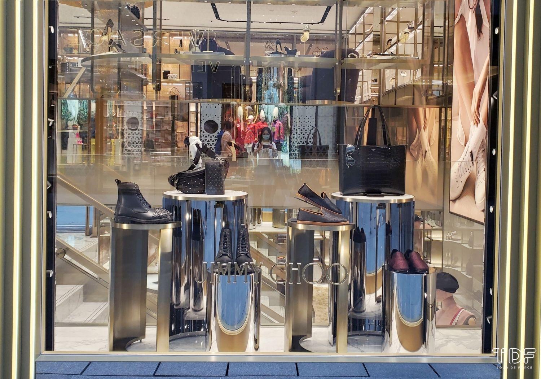 luxury store window displays, store window, TDF Visual Merchandising Maufacturer