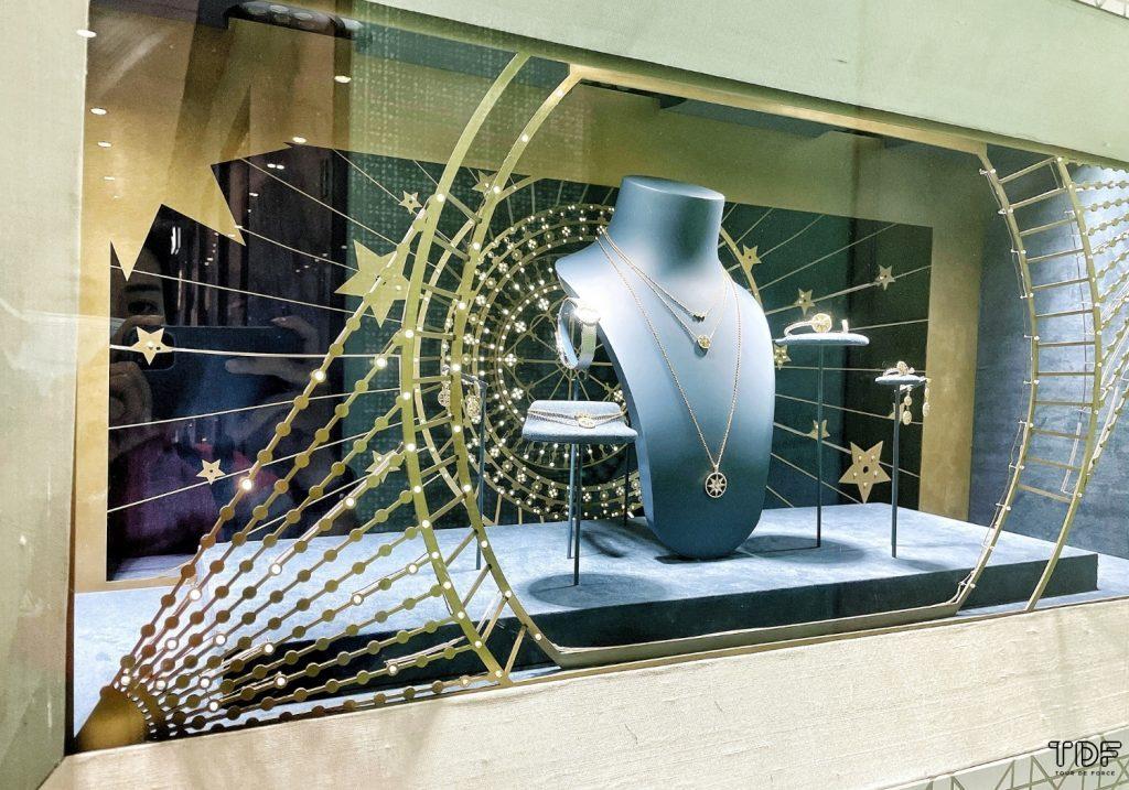 Christian Dior Christmas Fine Jewellery Window Displays 2020_TDF_Visual_Merchandising_Manufacturer