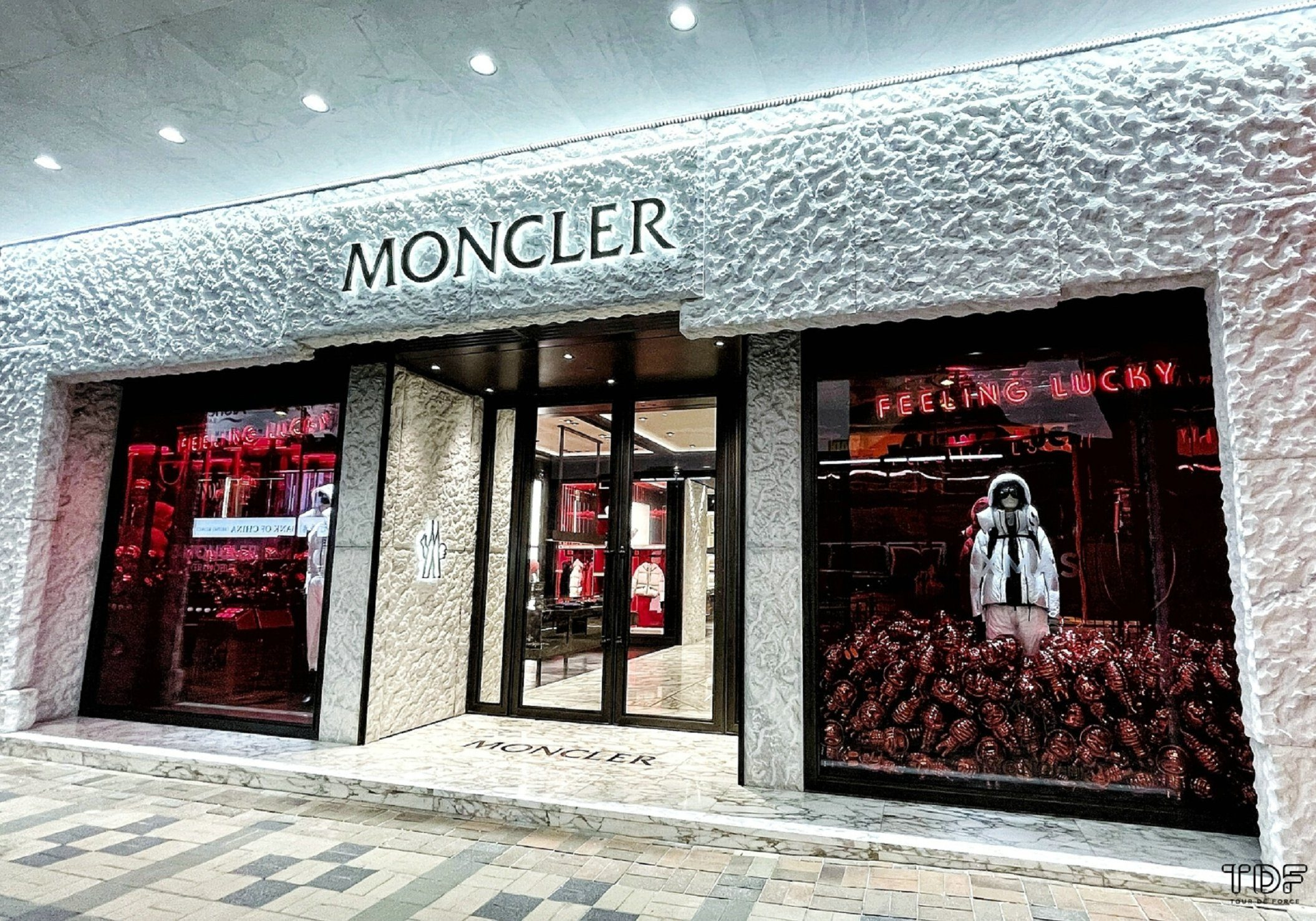 Christmas shop windows_Moncler Holiday Windows_TDF Visual Merchandising Manufacturer
