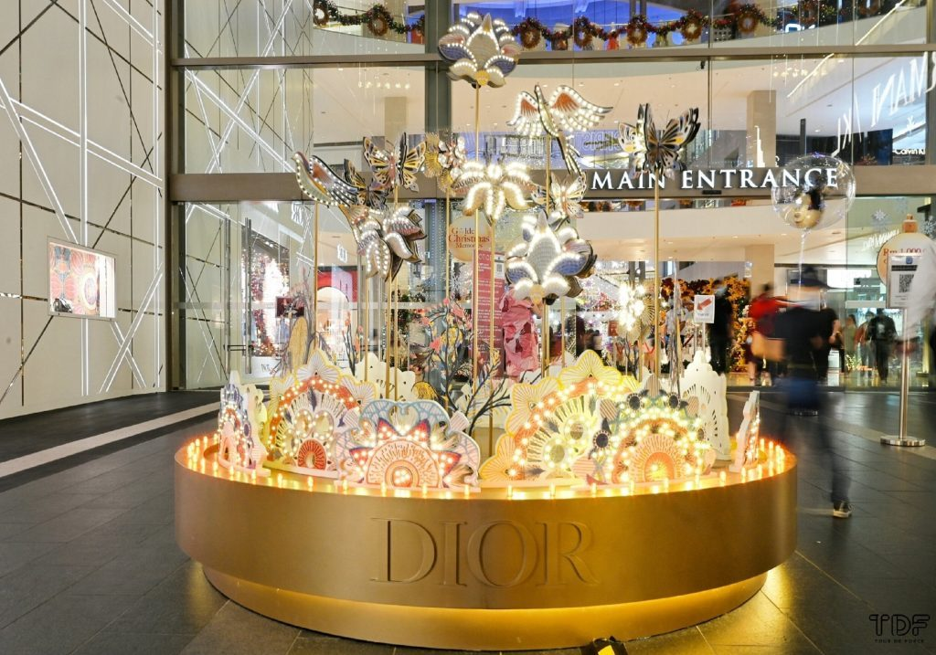 holiday theme decoration_Christian Dior_TDF Visual Merchandising Manufacturer