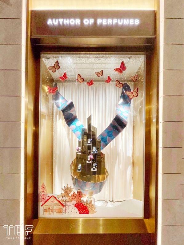 seasonal store windows_Perfume Cosmetic_TDF Visual Merchandising Manufacturer