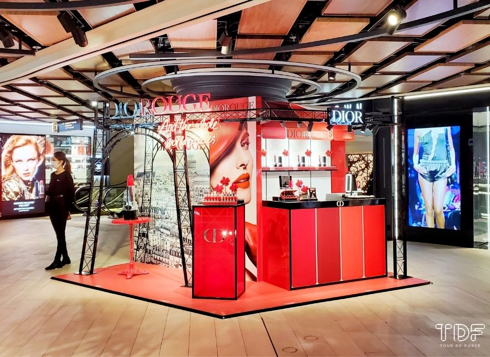 Holiday Pop-up Store_Dior Rouge_TDF Visual Merchandising Production