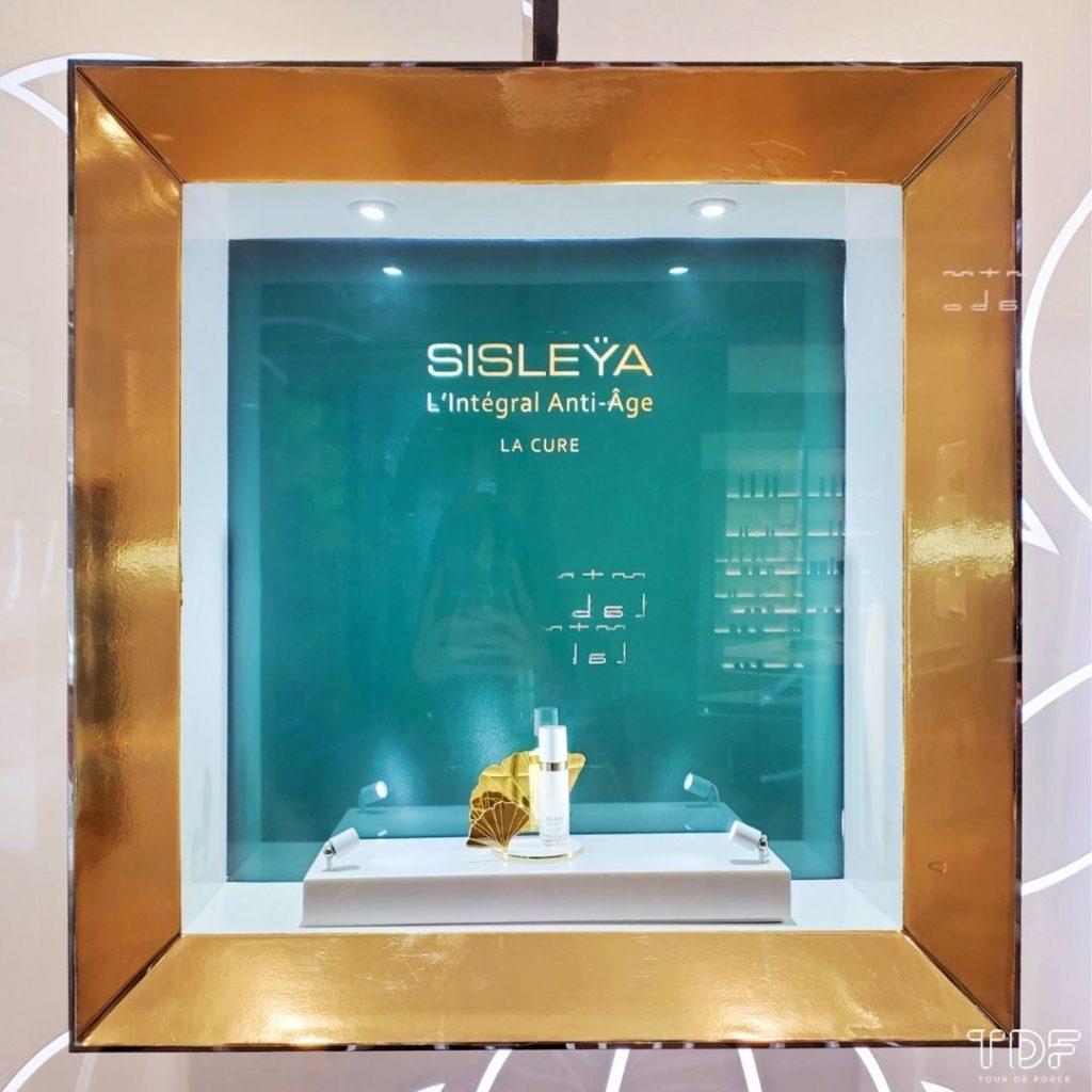 store windows, display windows, skincare store windows, TDF visual merchandising production manufacturer