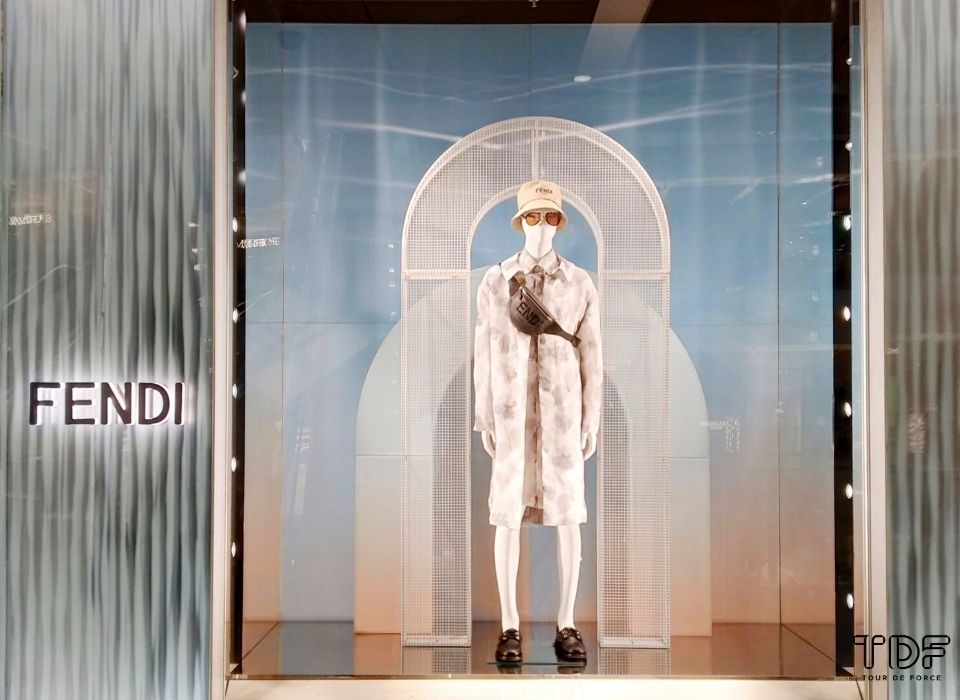 window displays, store windows, TDF visual merchandising manufacturer
