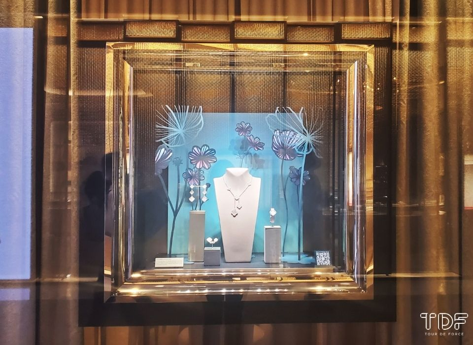 视觉营销, 奢侈品橱窗, 橱窗道具, store windows, Van Cleef & Arpels, Lucky Spring, TDF Visual Merchandising Production