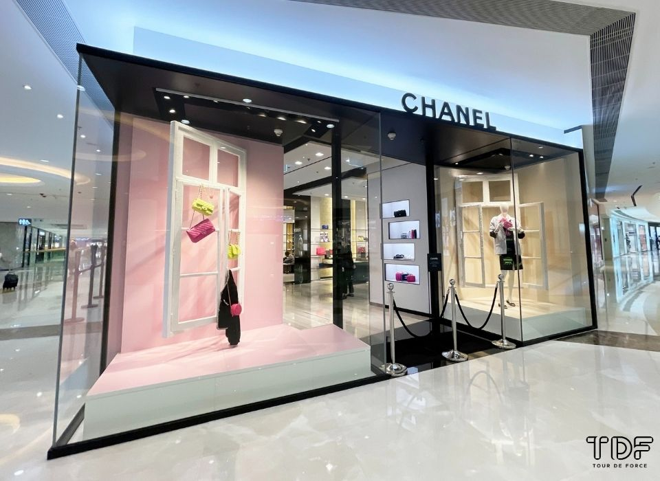window props, 奢侈品橱窗, 视觉营销, store windows, Chanel SS21, TDF Visual Merchandising Production