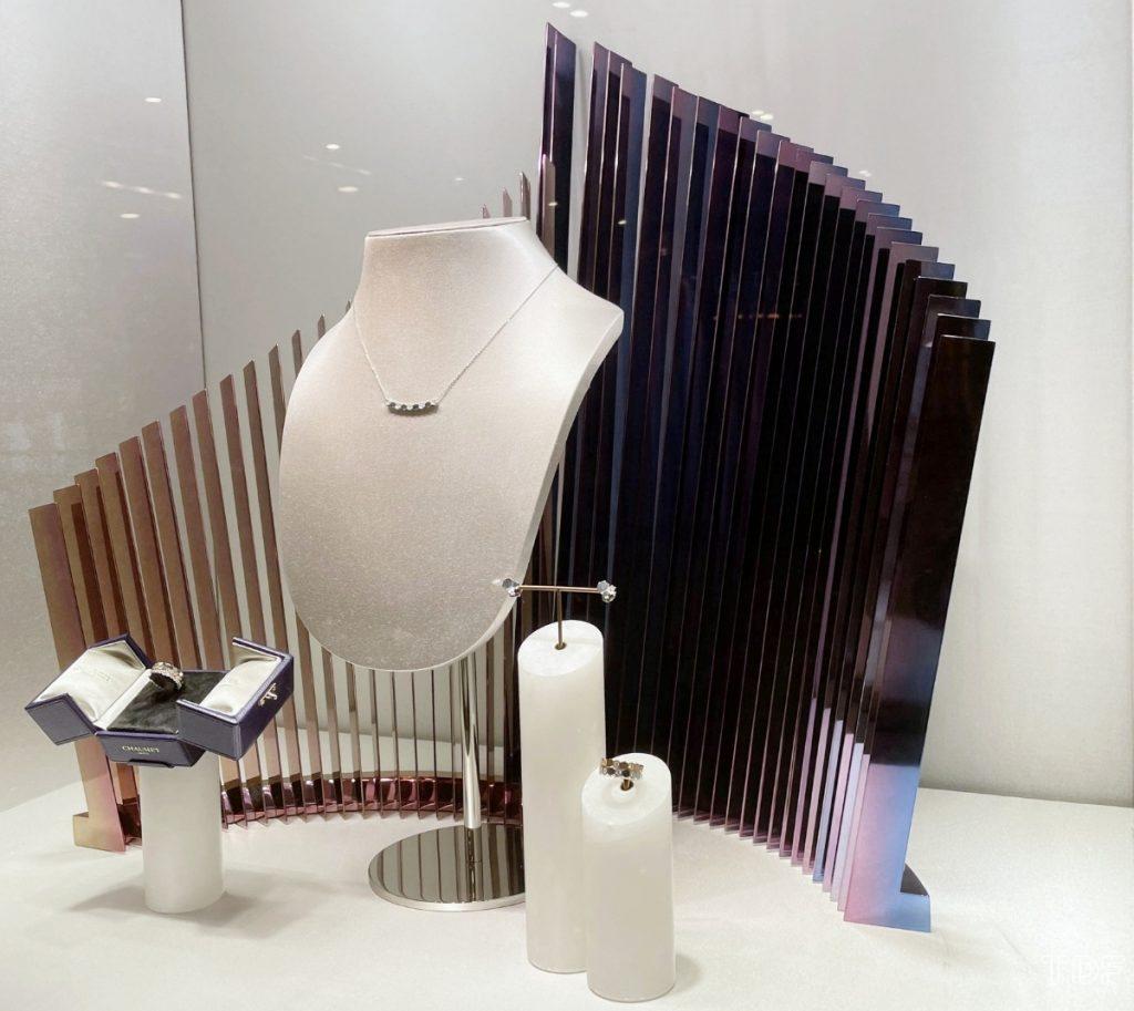 Chaumet store windows, props, TDF visual merchandising supplier