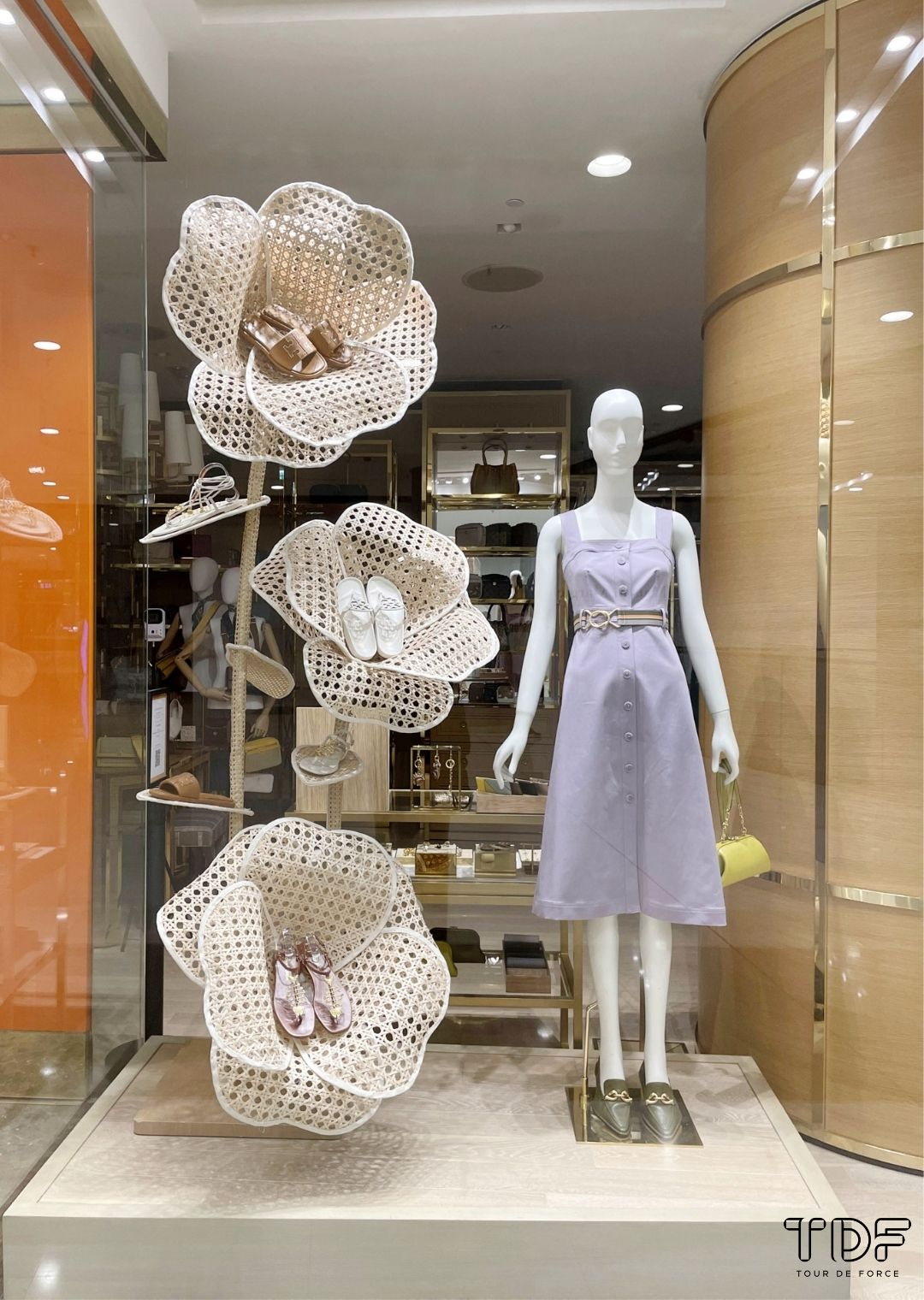 flower window props, window display supplier, TDF visual merchandising production