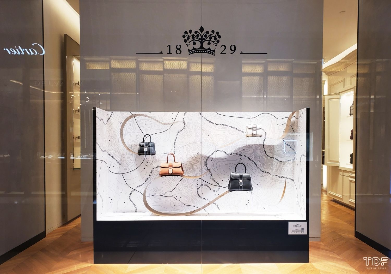 luxury fashion store window, luxury window display