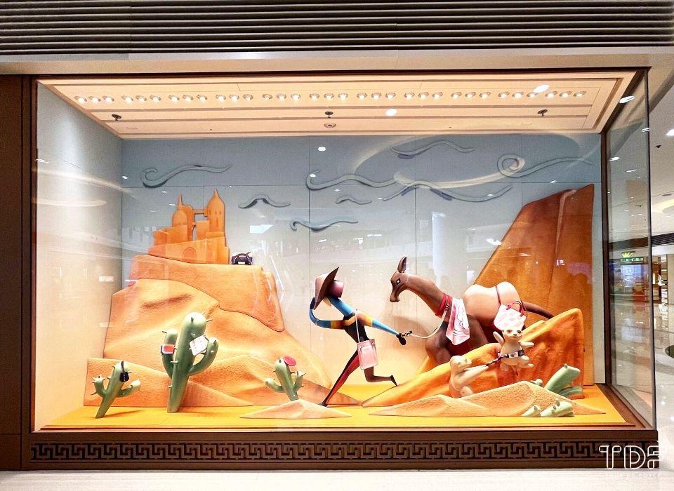 window props, luxury store window display, TDF window display supplier